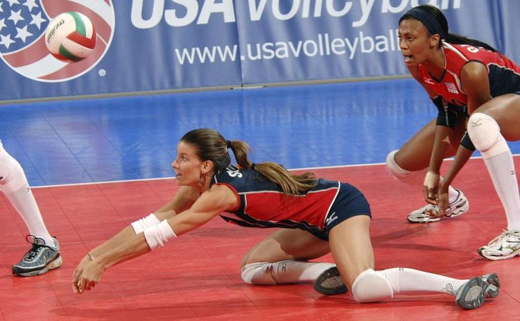 Greg-Dea-Volleyball-Knee-Injury-tibia-laydown
